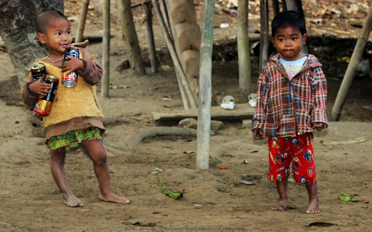 Zdjęcia: Ka Chaing Grin, Arakan, Myanmar (Birma), urwisy z wioski Ka Chaing Grin, MYANMAR