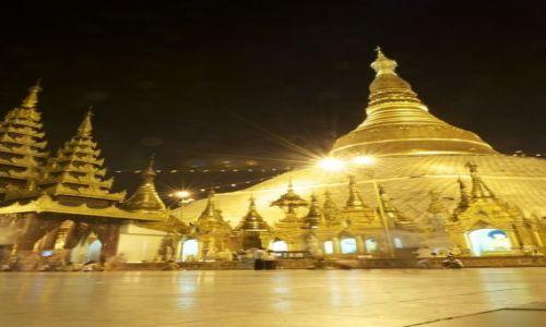Zdjecie MYANMAR / Rangoon / Rangoon / Złota świątynia
