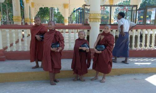 Zdjecie MYANMAR / - / Yangon / Birma�czycy