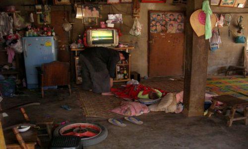 Zdjecie MYANMAR / - / Takilek / Na parterze