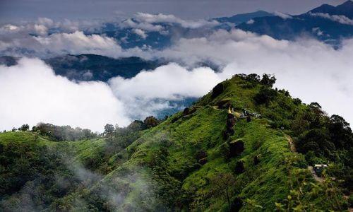 Zdjecie MYANMAR / Mon / Kyaiktyio / w gorach poludniowej Birmy