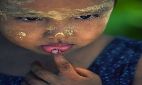 Zdjecie MYANMAR / Rakhine / Ngapali / male dylematy