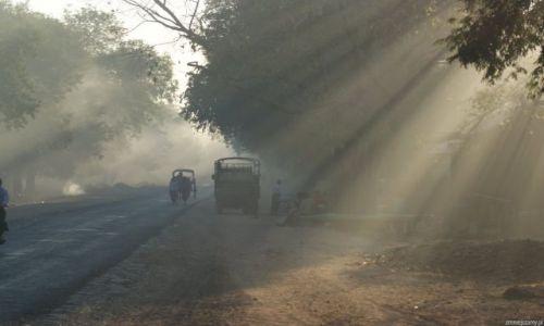 Zdjecie MYANMAR / Okolice Ran Gun / Po prostu wioska / Początek dnia w birmańskiej wiosce
