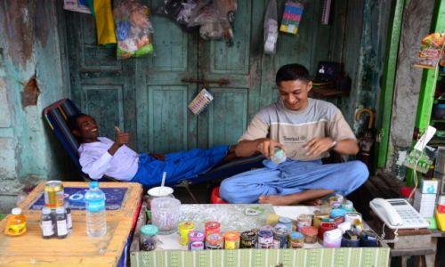 Zdjecie MYANMAR / Yangon / Yangon / Street vendors