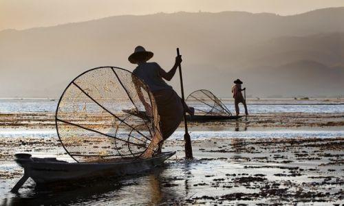 Zdjecie MYANMAR / Shan / Inle  Lake / rybacy