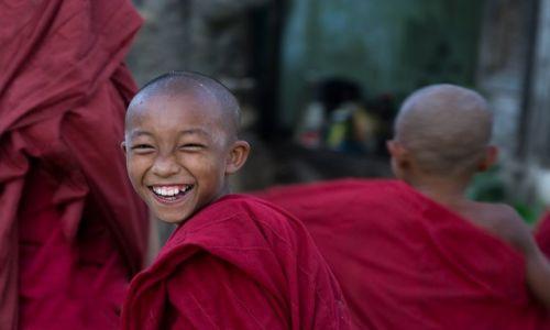 Zdjecie MYANMAR / Mandalay / Meiktila / Usmiech
