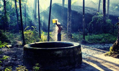 Zdjęcie MYANMAR / Rakhine / Ngapali / prysznic