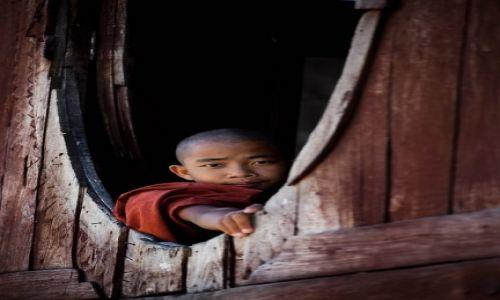 Zdjecie MYANMAR / - / W pobliżu Inle Like / Spojrzenie