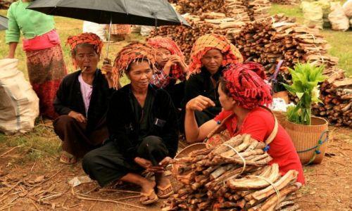 Zdjecie MYANMAR / - / Jezioro Inle / targ nad jeziorem inle