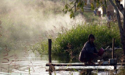 Zdjecie MYANMAR / Shan / Inle Lake / Mgła