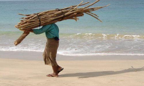 Zdjecie MYANMAR / brak / ngapali beach / przechodzien