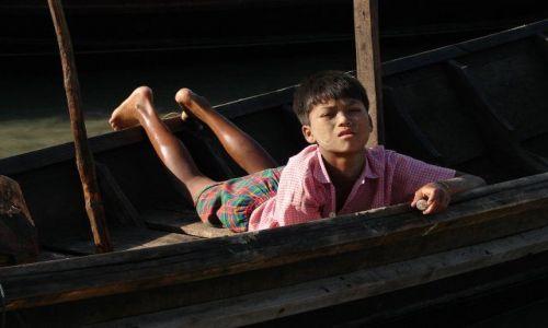 Zdjecie MYANMAR / brak / Ngapali beach / Chlopiec