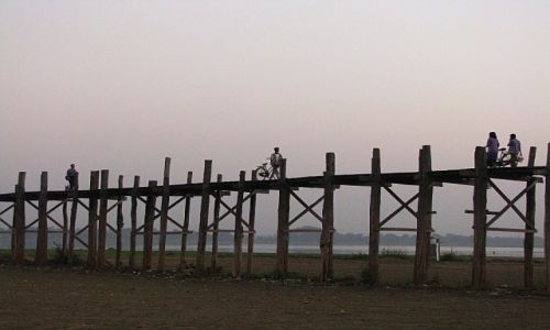 Zdjęcie MYANMAR / stan Shan / Amarapura / most U Bein