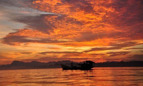 Zdjecie MYANMAR / - / Hpa-an / zachód słońca nad rzeką Thanlwin