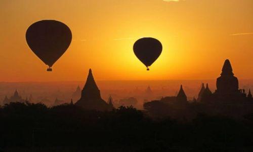 MYANMAR / -Bagan / Bagan / Bagan o poranku