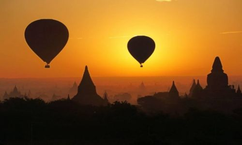 Zdjecie MYANMAR / -Bagan / Bagan / Bagan o poranku
