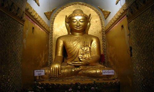Zdjecie MYANMAR / stan Shan / jezioro Inle / posąg Buddy w wiejskiej świątyni