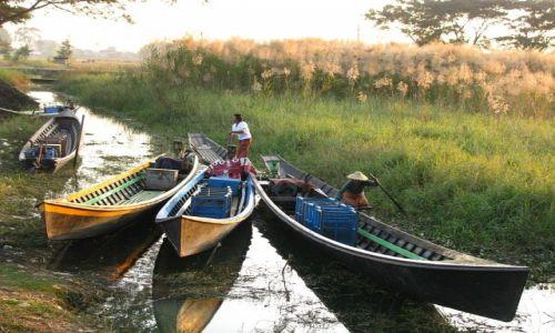 Zdjęcie MYANMAR / stan Shan / okolice jeziora Inle / wycieczka canoe po kanałach