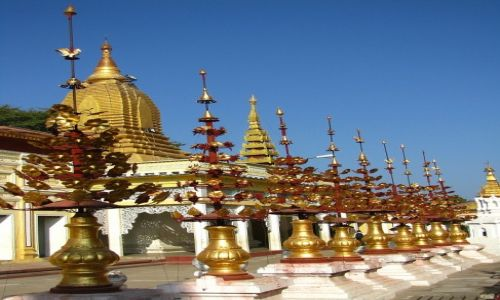Zdjęcie MYANMAR / środkowa Birma / Stary Bagan / Shwezigon Paya