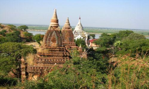 Zdjęcie MYANMAR / środkowa Birma / Nyaung OO / Thetkyamuni Patho