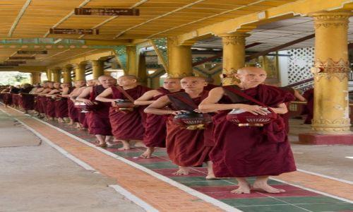 Zdjęcie MYANMAR / Bago / Bago / Na posiłek