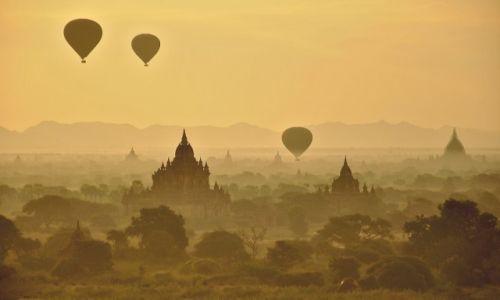 Zdjecie MYANMAR / Bagan / Wschód słońca / KONKURS