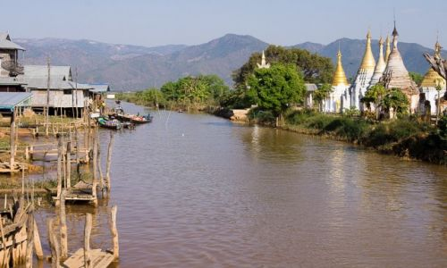Zdjecie MYANMAR / Jezioro Inle / Ywama village / Na kanałach