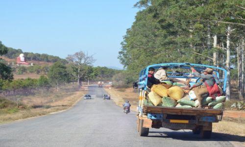 Zdjęcie MYANMAR / gdzieś po drodze / po drodze / byle do przodu