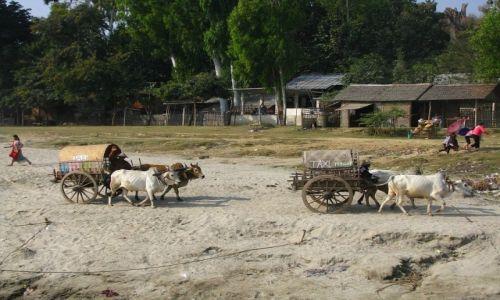 Zdjecie MYANMAR / okolice Mandalay / Mingun / postój taksówek