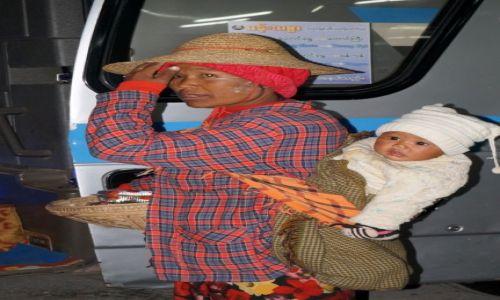 Zdjecie MYANMAR / Bago / Bago / sprzedawca