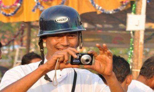 Zdjecie MYANMAR / - / Myanmar / Lucky