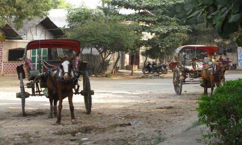 Zdjęcie MYANMAR / trasa Nyaungshwe - Nyaung OO / . / birmańskie miasteczko