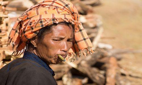 Zdjecie MYANMAR / stan Shan / Jezioro Inle / Pani
