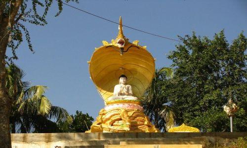 Zdjęcie MYANMAR / okolice Baganu / miejscowość pod Górą Kwiatów / klasztor