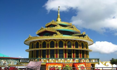 Zdjęcie MYANMAR / okolice Bago / Kyaiktiyo / Kyaktiyo - pawilon