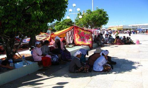 Zdjęcie MYANMAR / okolice Bago / Kyaiktiyo / pielgrzymi