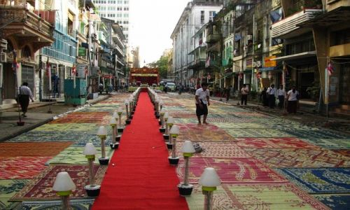 Zdjęcie MYANMAR / Yangon / Yangon / ulice Yangonu