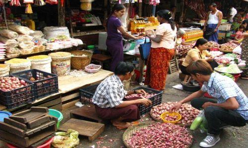 Zdjęcie MYANMAR / Yangon / Yangon / targ miejski