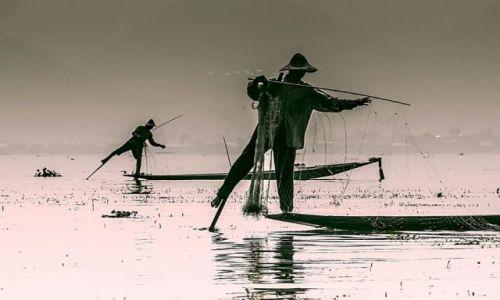 Zdjecie MYANMAR / - / Jezioro Inle / połów