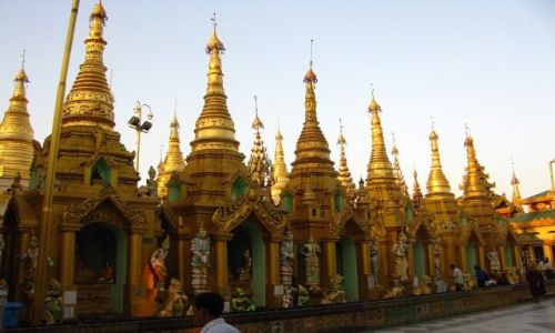 Zdjęcie MYANMAR / Yangon / Yangon / Shwedagon Paya