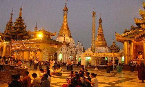 Zdjecie MYANMAR / Yangon / Yangon / Shwedagon Paya