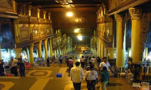 Zdjecie MYANMAR / Yangon / Yangon / Shwedagon Paya wejście wschodnie 1