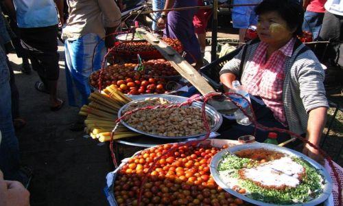 Zdjęcie MYANMAR / Delta Yrawadi / miasteczko Dilah / targ miejski