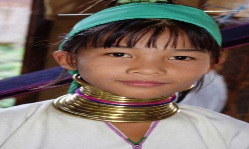 Zdjęcie MYANMAR / Inle / Inle Lake / Piękność z obręczami