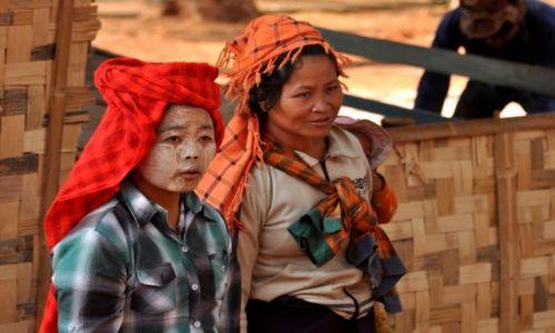 Zdjęcie MYANMAR / Shan / Shan  / W pracy