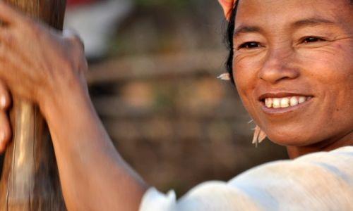 Zdjecie MYANMAR / Shan / Shan  / Kobieta 3