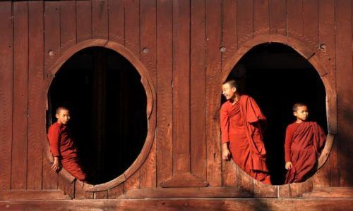 MYANMAR / okolice jeziora Inle / Nyaungshwe / W monastyrze
