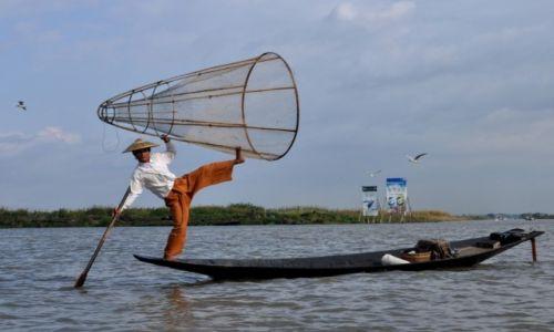 Zdjęcie MYANMAR / INLE / JEZIORO INLE  / Rybak2
