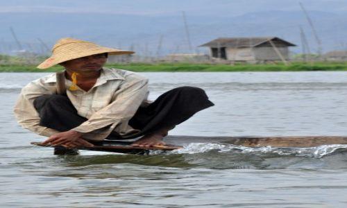 Zdjęcie MYANMAR / INLE / JEZIORO INLE  / Rybak cd