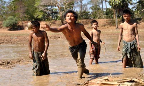 MYANMAR / Myanmar / Myanmar / Rybacy